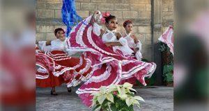 Por festejos, alumnos ofrecen programa cultural en San Luis Chalma