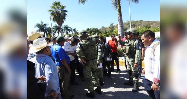 Fnerrr condena corte de luz en Villa Estudiantil de Tecomatlán