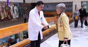 Rosa María sobrevive 20 años al cáncer de mama