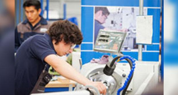 Universidades en Puebla no preparan a ingenieros para ayudar a la industria
