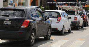 Por padrón vehicular irregular, Barbosa anuncia reemplacamiento en Puebla