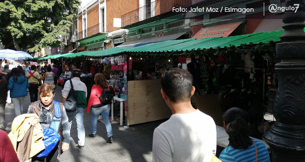 Pese a las villas, el comercio ambulante sigue gobernando en el CH
