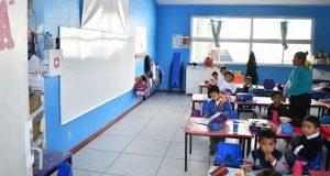 Ahuatempan remodela aulas en preescolar indígena y telesecundaria