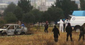 En Cuautlancingo, localizan cinco cadáveres en coche incinerado