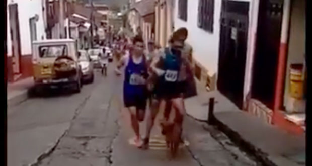 Atleta patea a perro en carrera y marca le quita patrocinio