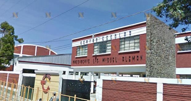 Niño de primaria amenaza con navaja a compañeros en Cholula, denuncian