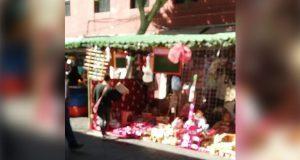 Comercios y ambulantes abarrotan zona de juguetes de CH previo a Día de Reyes