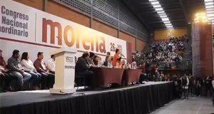 Sin AMLO, morenistas eligen a Ramírez como líder interino y rechazan encuesta