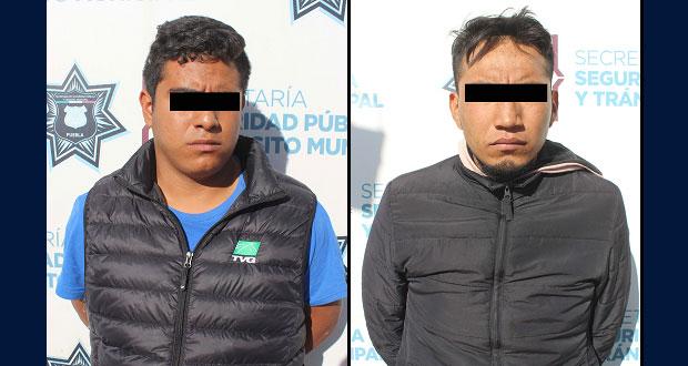 Detienen a dos sujetos con dosis de droga en barrio de Santa Anita