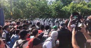 GN vuelve a frenar caravana migrante en Chiapas; 800 serían deportados