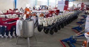 En Tecamachalco, gobierno estatal entrega apoyos al campo por 122 mdp
