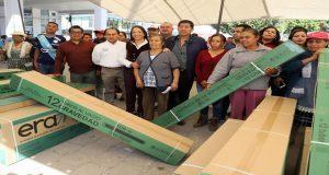 Secretaría de Bienestar da 180 calentadores solares en Huixcolotla