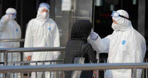 En China, aumentan a 81 las muertes por coronavirus