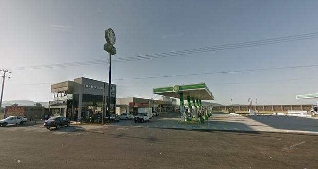 Ejecutan a exfederal en Starbucks de la Puebla-Orizaba