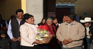 Karina Pérez encabeza primera ceremonia de honores a la bandera