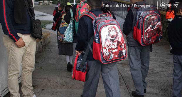 """Padres de familia se pronuncian a favor del """"operativo mochila"""" en Puebla"""