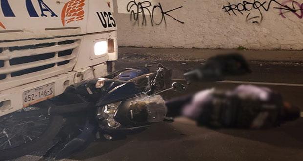 Ruta 77-A atropella a dos policías en motocicleta sobre la 9 Sur