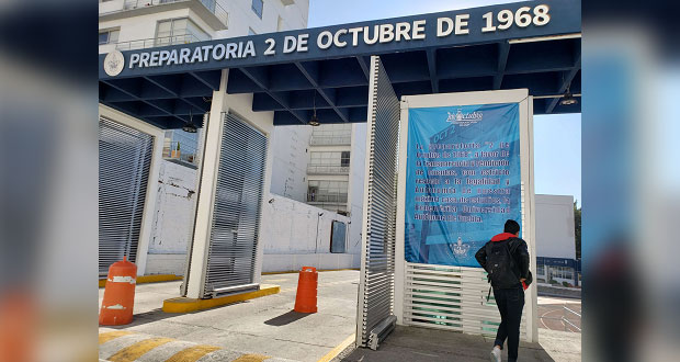 Presionan a alumnos de prepas BUAP a marchar a favor de Esparza, acusan