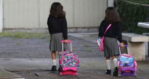 Comisión propone vigilar entrada y salida de escuelas de la capital