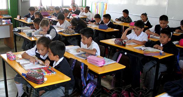 Más de 1.6 millones de alumnos regresan a clases en Puebla