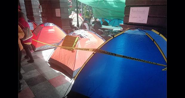 Nuevamente, sindicalizados hacen plantón en Palacio Municipal