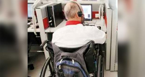 Bancos reclutan a personas con discapacidad