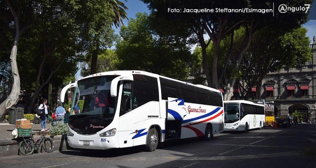 Autobuses turísticos reportan asaltos tras ser desplazados del CH