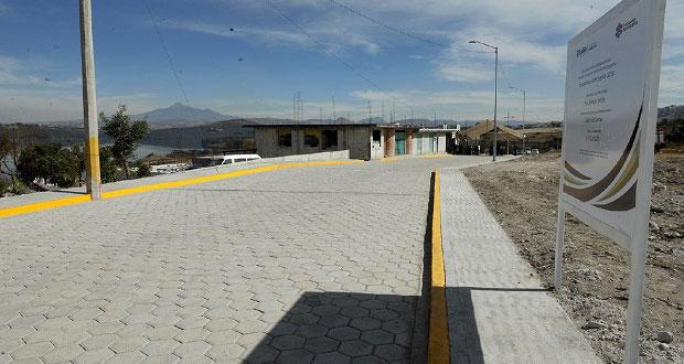 Ayuntamiento rehabilita calles y banquetas en San Baltazar Tetela