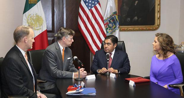 Puebla, con certidumbre para inversores: Barbosa a embajador de EU