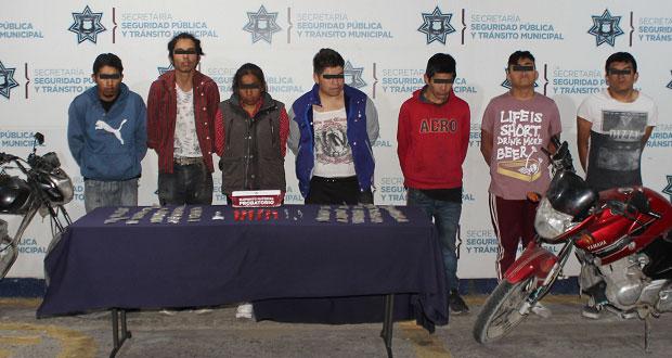 Detienen en la 2 de Marzo a siete; aseguran droga y 2 motos robadas