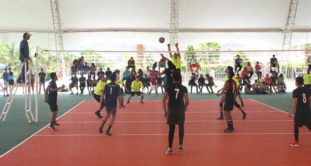 Equipo de voleibol de Puebla va por medallero en justa nacional