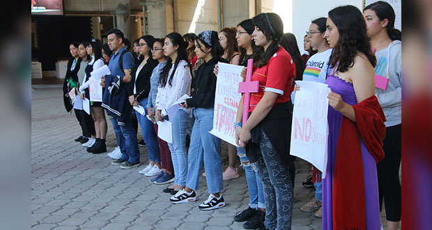 En la Ibero, guardan minuto de silencio por ola de feminicidios