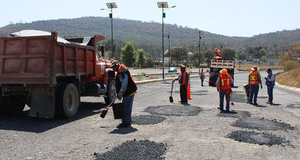 Infraestructura da mantenimiento a Periférico Ecológico con bacheo