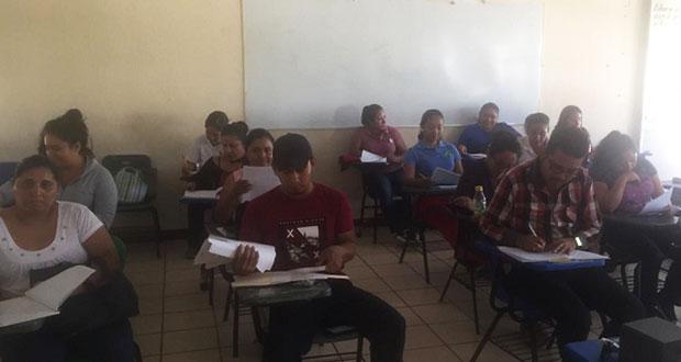 En Izúcar, Antorcha capacita a docentes en habilidades verbales
