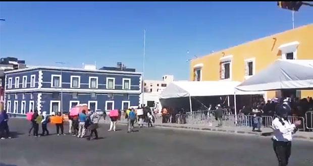 Tianguistas de San Martín exigen libertad para Manuel Valencia