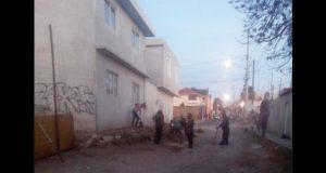Con faena, antorchistas de la Romero Vargas mantienen calles limpias