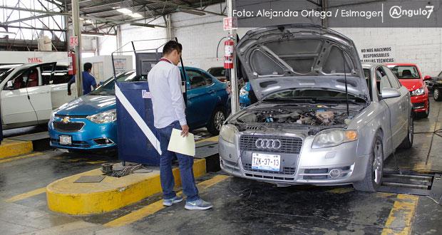 En Puebla, verifican 104 mil 83 vehículos en seis meses; sólo 26% de la meta