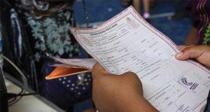Pese a cuotas, Registro Civil de Puebla da actas con errores y no los asume