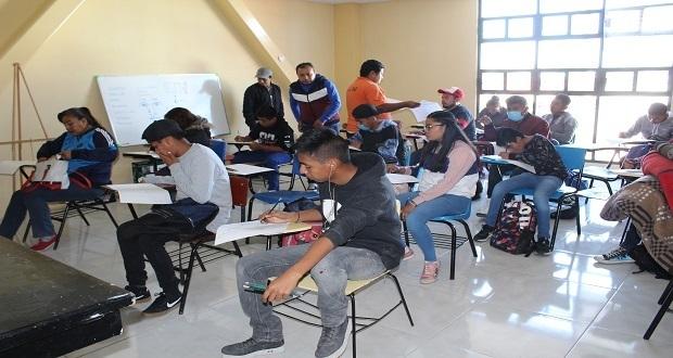Llevan a cabo primer taller de pintura y dibujo en Instituto Macuil