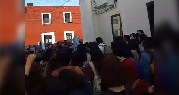 "Psicología de BUAP se va a paro por ""bloqueo de Esparza"" a elección libre"
