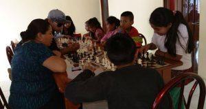 Con club, promueven ajedrez entre niños y jóvenes en Chiconcuautla