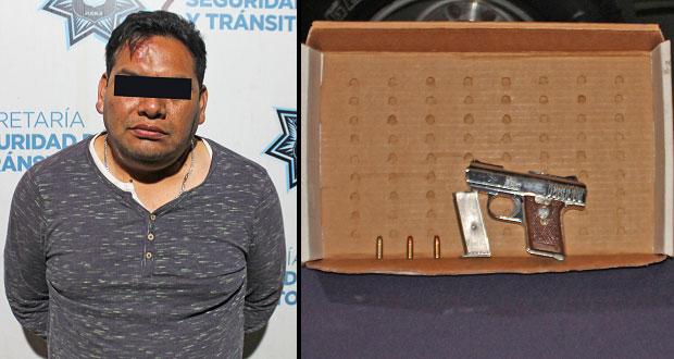 Detienen a hombre por portar arma sin licencia en Puebla capital