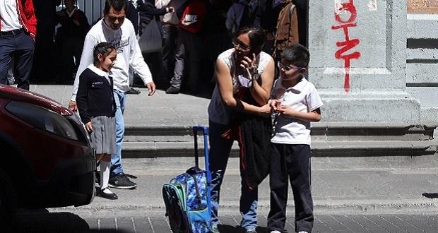 Profesores deberán resguardar a estudiantes ante retraso de padres: SEP