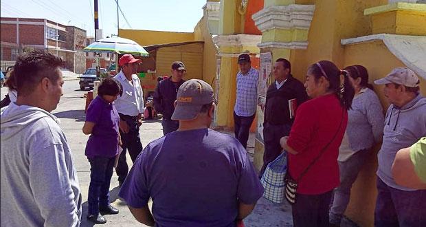 Antorcha gestiona pavimentación de acceso a secundaria en Chiautzingo