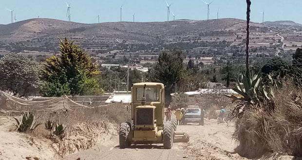 En Cañada Morelos, antorchista inicia rehabilitación de camino