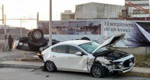 Accidente vial deja un deceso y un policía lesionado en Cholula