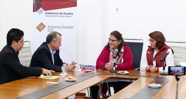 """DIF firma convenio con """"La Zarza"""" para festejar a niños del organismo"""