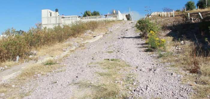 Piden atender reclamo de red eléctrica en Lomas de Coatepec