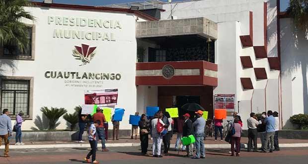 Acordamos con ayuntamiento separar a edil auxiliar de Almecatla: vecinos