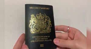 """Tras Brexit, Reino Unido lanza pasaporte sin leyenda """"Unión Europea"""""""